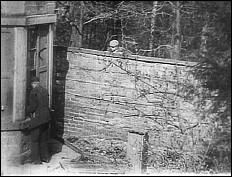 Daring Daylight Burglary (1903)