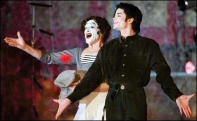 Le mime Marcel Marceau et Michael Jackson