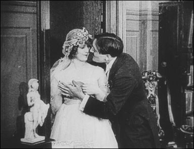MAX WANTS A DIVORCE (Max veut divorcer - 1917) - un film de Max LINDER - Photogramme