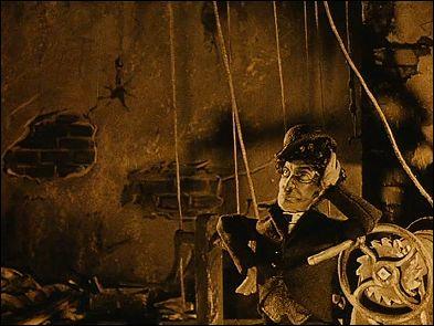 AMOUR NOIR ET BLANC (1923) un film de Ladislas STAREWITCH - photogramme