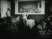 BIP... BIP... BIP... ICI PARIS  Erotic comedy with Pauline CARTON - Image