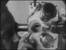 EMAK BAKIA - Cinépoème - un film de Man RAY - Photographie