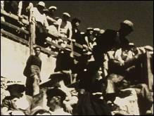 COURSE LANDAISE - un film de Man RAY - Photographie