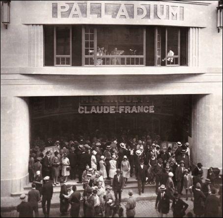 Façade du cinéma PALLADIUM à Avignon (France)